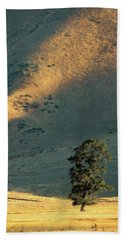 Hand Towel featuring the photograph Valley Oak by Timothy Bulone