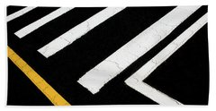 Bath Towel featuring the photograph Vanishing Traffic Lines With Colorful Edge by Gary Slawsky