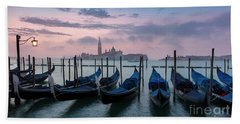 Hand Towel featuring the photograph Venice Dawn Iv by Brian Jannsen