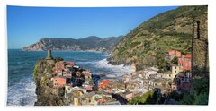 Bath Towel featuring the photograph Vernazza In Cinque Terre by Cheryl Strahl