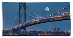 Bath Towel featuring the photograph Verrazano Narrows Bridge Moon by Susan Candelario