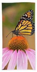 Monarch Butterfly On A Purple Coneflower Bath Towel