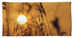 View Of Sun Setting Behind Long Grass C Bath Towel