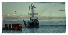 Hand Towel featuring the photograph Viking Pride by Randy Hall