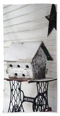 Vintage Martin Birdhouse In The Snow Hand Towel