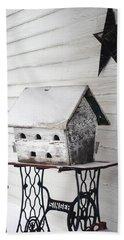 Vintage Martin Birdhouse In The Snow Bath Towel