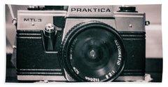 Vintage Gritty Camera Look Bath Towel