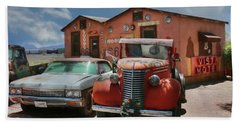 Hand Towel featuring the photograph Vista Motel by Lori Deiter