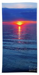 Bath Towel featuring the photograph Vivid Sunset by Ginny Gaura