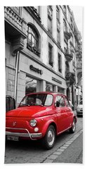 Voiture Rouge Hand Towel