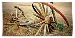 Hand Towel featuring the photograph Wagon Wheels by Linda Bianic