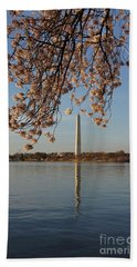 Washington Monument With Cherry Blossoms Hand Towel