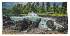 Waves Crashing Kawee Point Hand Towel