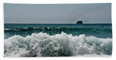 Waves Of Pacific Ocean. Coromandel,new Zealand Bath Towel