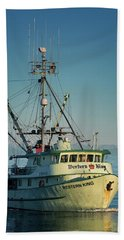 Hand Towel featuring the photograph Western King At Breakwater by Randy Hall
