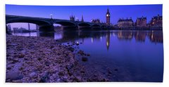 Hand Towel featuring the photograph Westminster Bridge London by Mariusz Czajkowski