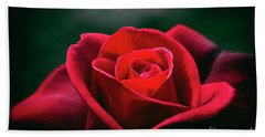 Hand Towel featuring the photograph Whispers Of Passion by Linda Lees