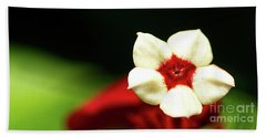 White And Red Flower Bath Towel