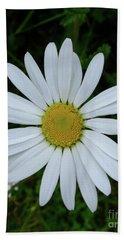White Daisy Hand Towel