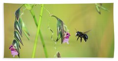 White-faced Bee Bath Towel