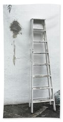 Bath Towel featuring the photograph White Ladder by Tom Singleton