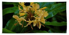 Bath Towel featuring the photograph Wild Ginger In The Rain by Craig Wood