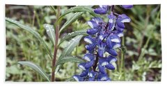 Hand Towel featuring the photograph Wild Lupine by Linda Bianic