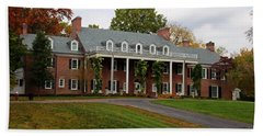 Hand Towel featuring the photograph Wildwood Manor House In The Fall by Michiale Schneider
