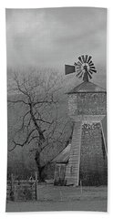 Hand Towel featuring the photograph Windmill Of Old by Suzy Piatt