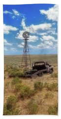 Hand Towel featuring the photograph Windmill Over Lenzen by Amanda Smith