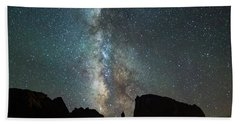 Hand Towel featuring the photograph Wonders Of The Night by Darren White