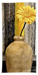 Yellow Daisy In Pottery Bath Towel