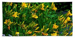 Bath Towel featuring the photograph Yellow Lily Flowers by Susanne Van Hulst