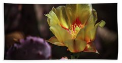 Bath Towel featuring the photograph Yellow N Red by Elaine Malott