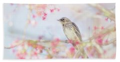 Yellow-rumped Warbler In Spring Blossoms Bath Towel