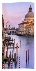 Evening Light In Venice Bath Towel