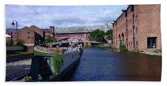 13/09/18  Manchester. Castlefields. The Bridgewater Canal. Bath Towel