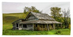 Abondened Old Farm Houese And Estates Dot The Prairie Landscape, Hand Towel