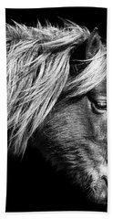 Bath Towel featuring the photograph Assateague Pony Sarah's Sweet Tea B And W by Bill Swartwout Fine Art Photography