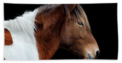 Bath Towel featuring the photograph Assateague Pony Susi Sole Portrait On Black by Bill Swartwout Fine Art Photography