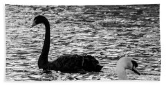 Black And White Swans Bath Towel