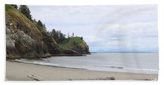 Cape Disappointment With Lighthouse And Beach Bath Towel
