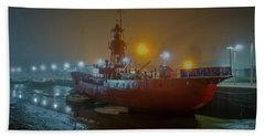 Bath Towel featuring the photograph Colne Lightship In The Fog by Gary Eason