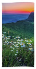 Daisies In The Mountain Hand Towel