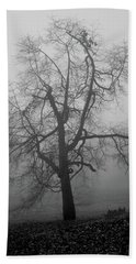 Foggy Tree In Black And White Hand Towel