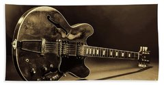 Gibson Guitar Images On Stage 1744.015 Bath Towel