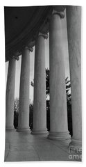Jefferson Memorial In Black And White Bath Towel