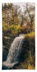 Minnehaha Falls In Autumn Bath Towel