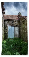 Old Abandoned House In Bainte Hand Towel