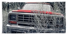Old Dodge Pickup In The Weeds White River Junction Vermont Bath Towel